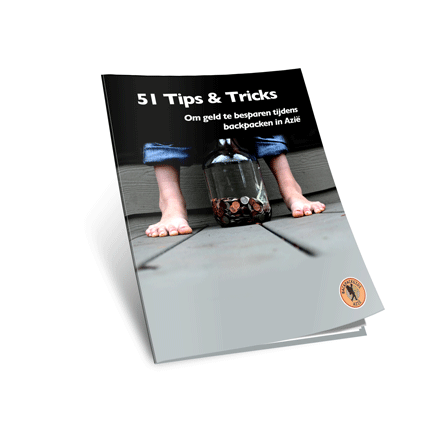 Afbeelding van de cover van het boek: 51 tips en tricks om geld te besparen tijdens backpacken in Azië.