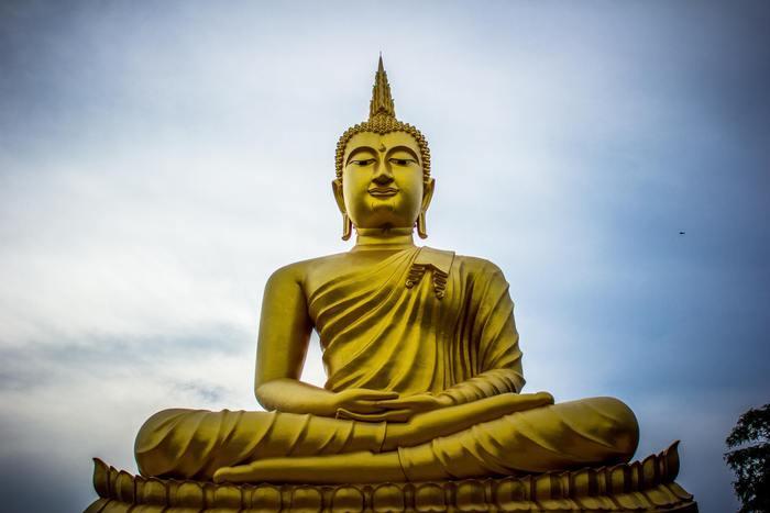 Afbeelding van een gouden boeddha beeld in Thailand