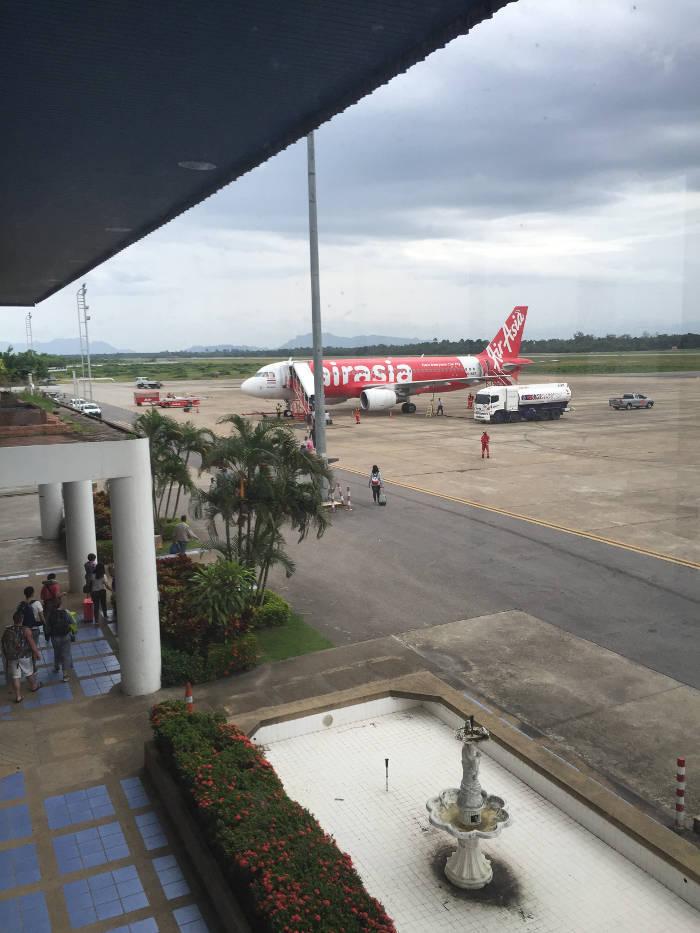 Afbeelding van een vliegtuig van Air Asia.