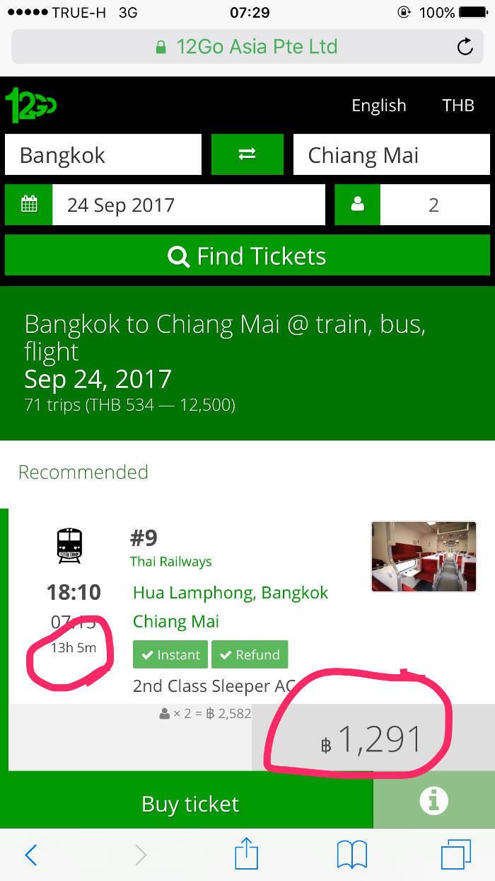 Afbeelding met daarop de prijs van een nachttrein in Thailand, die van Bangkok naar Chiang Mai gaat.