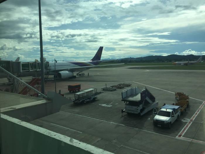 Foto van een vliegtuig van de vliegtuigmaatschappij Thai Airways.