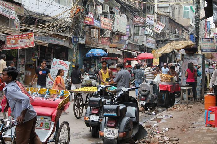 Afbeelding van het straatbeeld in India.