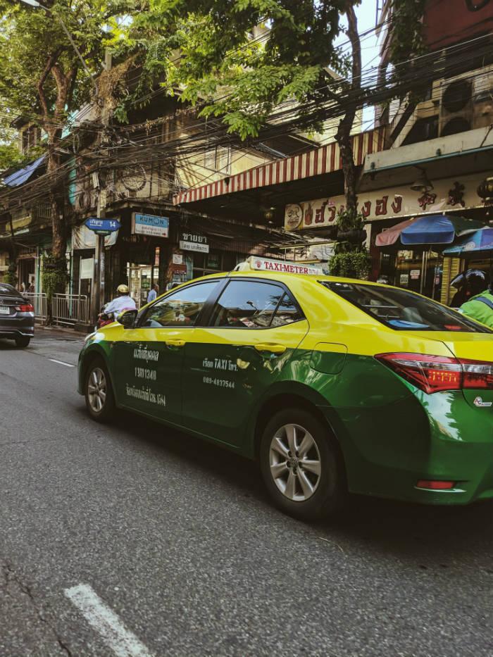 Afbeelding van een taxi in Bangkok.