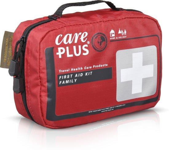 Foto van een EHBO kit die geschikt is voor gezinssituaties van het merk care plus.