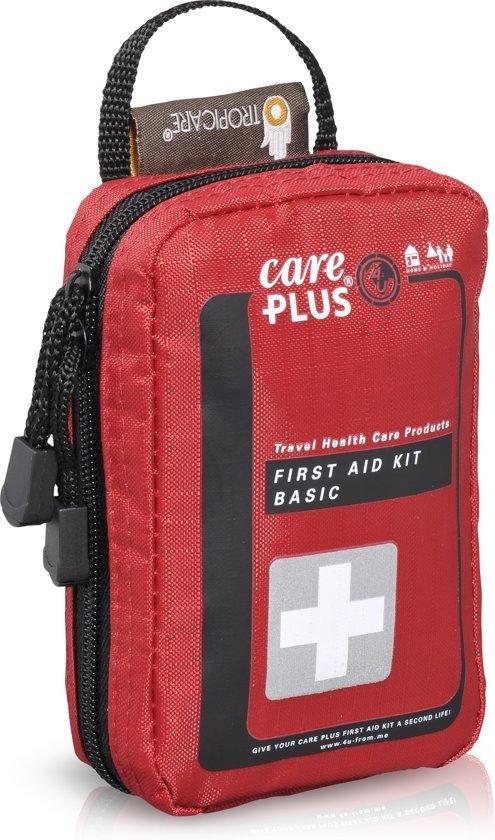 Afbeelding van een basis EHBO kit van het merk Care plus.