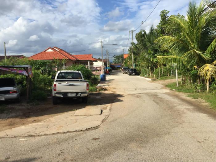 Foto van een huis in een rustig gelegen gebied in Krabi Town.