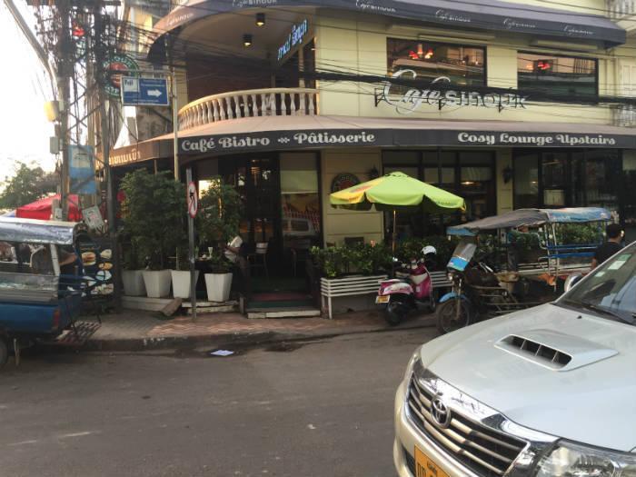 Foto van een Franse Bistro in Vientiane Laos.