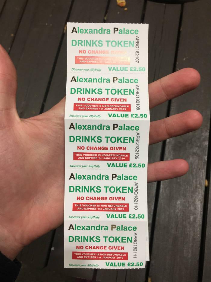 Tokens voor drank in het Alexandra Palace.